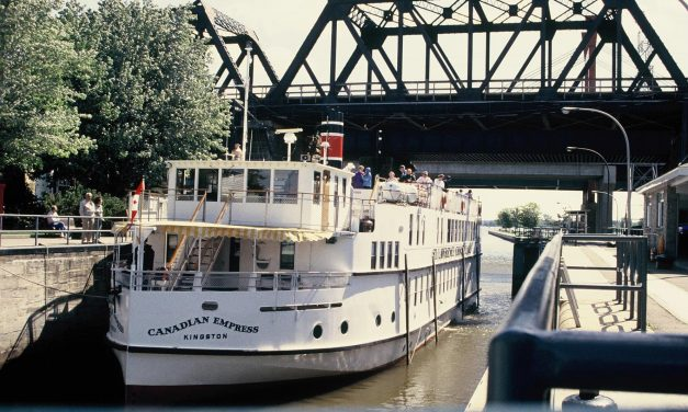 Enjoy a family reunion on water with St. Lawrence Cruise Lines